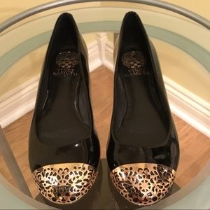 Vince Camuto Black/Gold Patent Leather Flats
